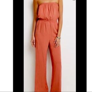 Straplesss Rust Color Jumpsuit With Pockets